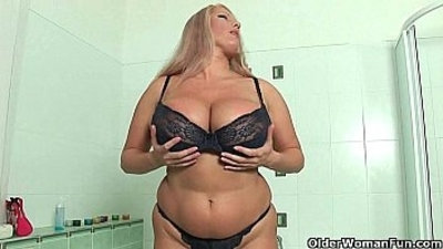 bbw  big boobs  chubby  dildo