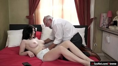 18 years old bald pussy blowjob brunette